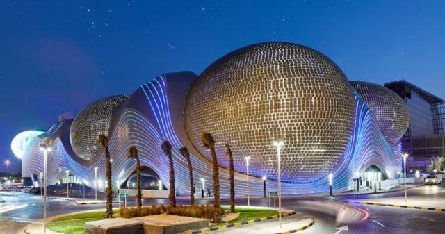 a47a94183 Via Facebook | @the.avenues.kuwait. يعد ثاني أكبر مركز للتسوق في الشرق  الأوسط ...