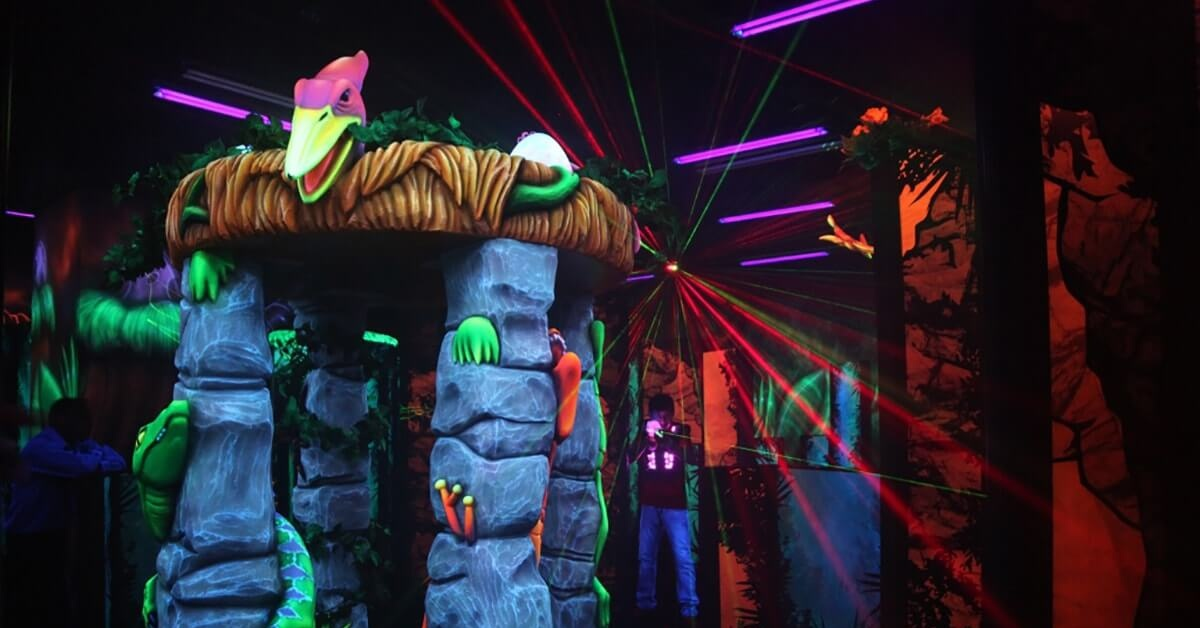 Indoor Laser Tag. How to play? Briefing video - YouTube